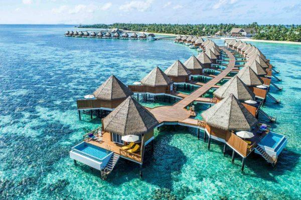 Mercure Maldives Kooddoo Resort 5
